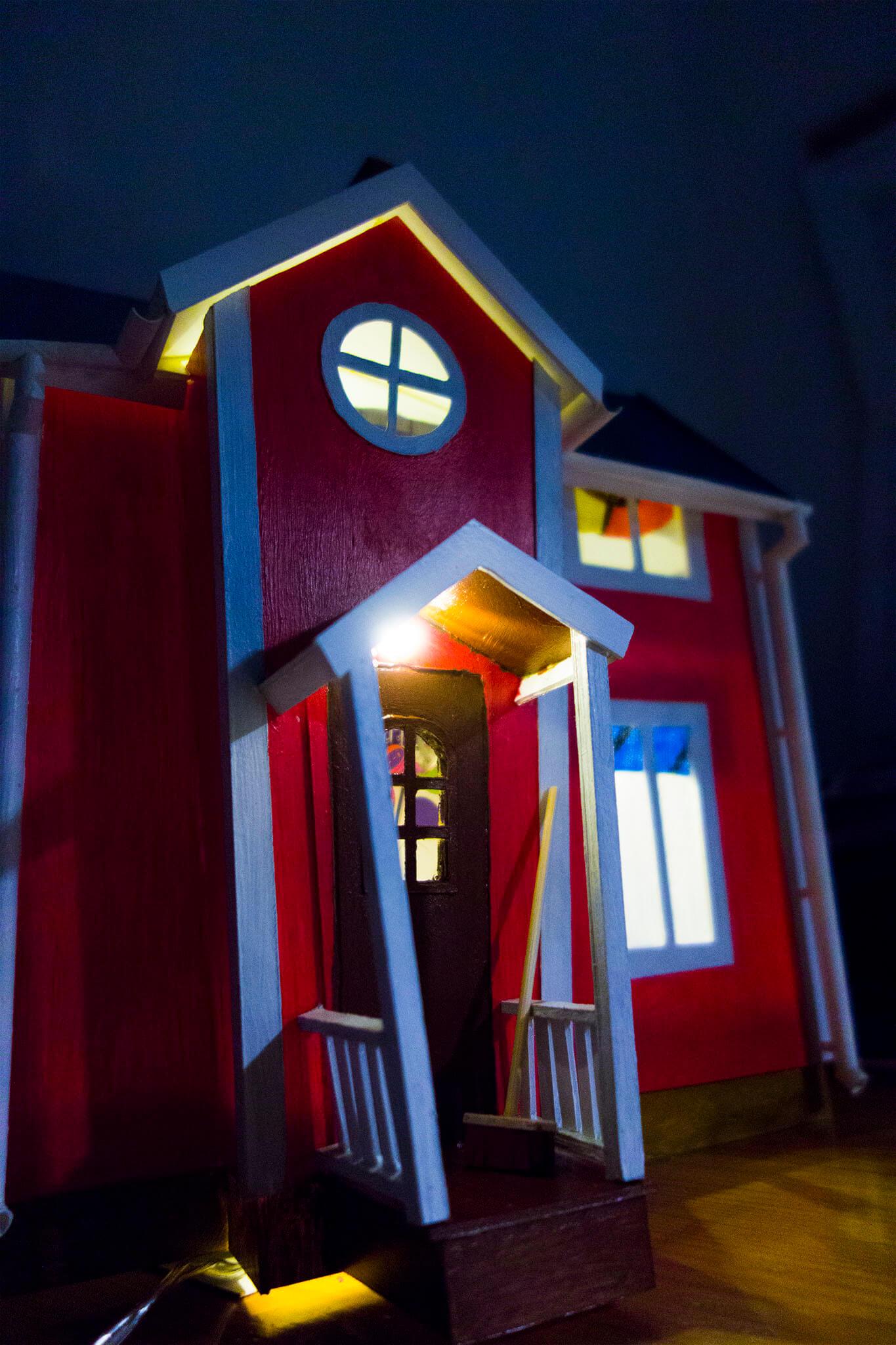 Building pikku's house